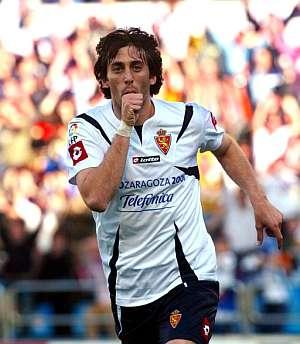 Diego Milito celebra el único gol. (Foto: EFE)