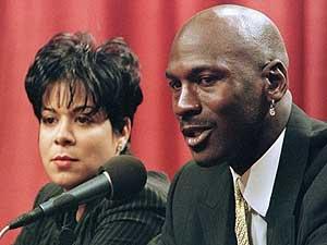 Jordan, junto a su esposa en 1999. (Foto: REUTERS)