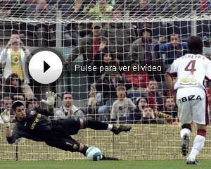 Manzano pidió la expulsión de Valdés tras el penalti del Mallorca.