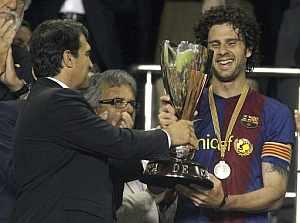 Laporta y Motta, con la Copa de Cataluña. (Foto: EFE)