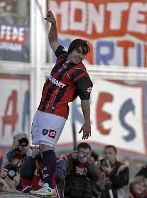 Lavezzi celebra uno de los goles. (Foto: AFP)