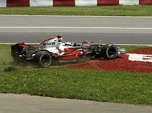 Alonso, en una salida de pista. (Foto: AP)