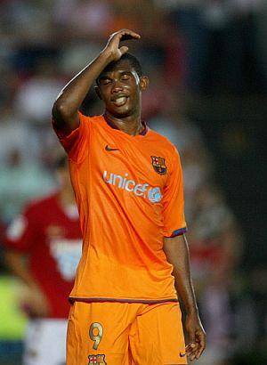 Samuel Eto'o lamenta su suerte en Tarragona. (Foto: EFE)