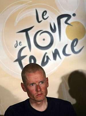 Michael Rasmussen, durante una rueda de prensa en el Tour. (Foto: AFP)