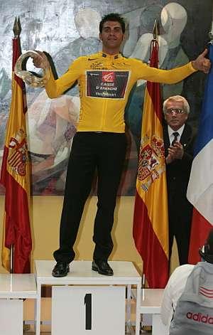 Pereiro, de amarillo en el podio de Madrid. (Foto: AFP)