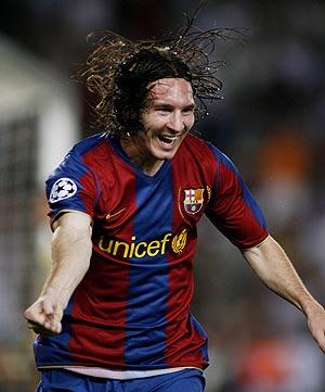 Lionel Messi celebra un gol anotado ante el Olympique de Lyón. (Foto: REUTERS)
