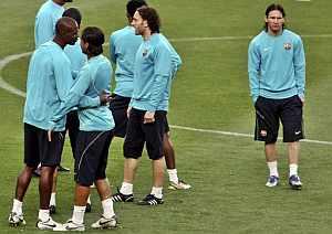 Los jugadores de Barcelona, en el entrenamiento previo al partido del Schalke. (Foto: EFE)