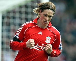 Fernando Torres celebra un tanto con la camiseta del Liverpool. (Foto: AP)
