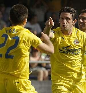 Nihat celebra su primer gol. (Foto: EFE)