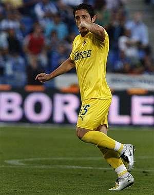 Nihat celebra el primer gol del Villarreal. (Foto: AP)