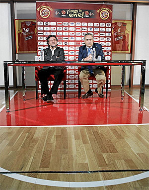 Pepu Hernández y José Luis Sáez. (Foto: Diego Sinova)