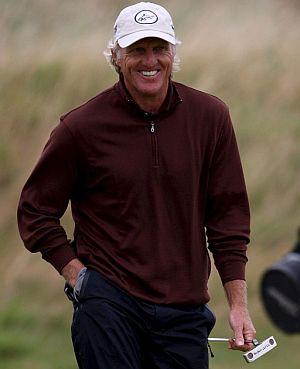 Greg Norman sonríe durante la segunda jornada. (Foto: EFE)