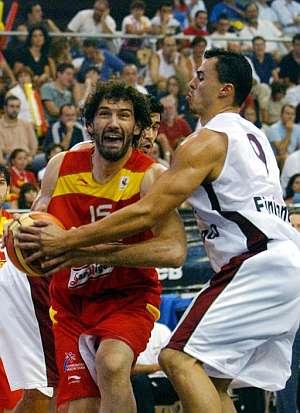 Jorge Garbajosa, en un encuentro de preparación ante Portugal. (Fotro: EFE)