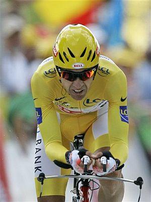 Carlos Sastre, en la crono. (Foto: AP)