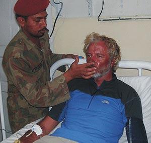 Wilco Van Rooijen, uno de los dos supervivientes holandeses rescatados. (Foto: REUTERS)