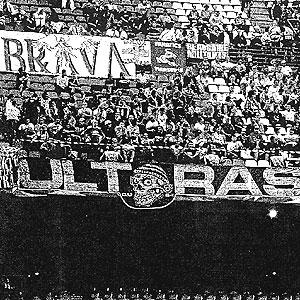 Imagen de los aficionados del Olympique en el Calderón.