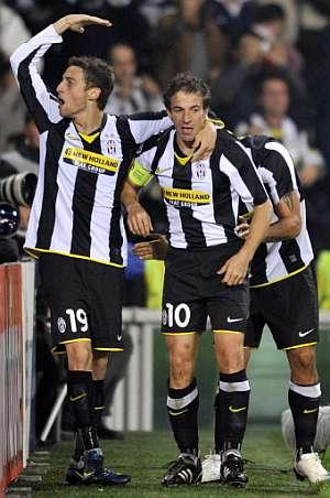Marchisio y Del Piero celebran el primer gol de la Juve. (AFP)