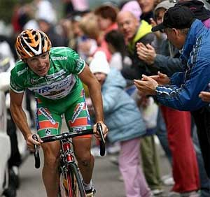 Emanuele Sella, en la etapa del Giro con final en Alpe de Pampeago. (Foto: EFE)