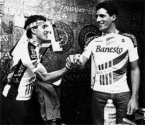 Delgado (i) e Induráin, en 1990. (Foto: F. QUINTELA)