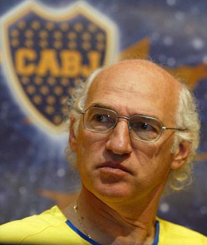 Bianchi, durante una rueda de prensa en su etapa como técnico de Boca Juniors. (REUTERS)