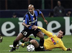 Olivier Dacourt, defendiendo la camiseta del Inter. (REUTERS)