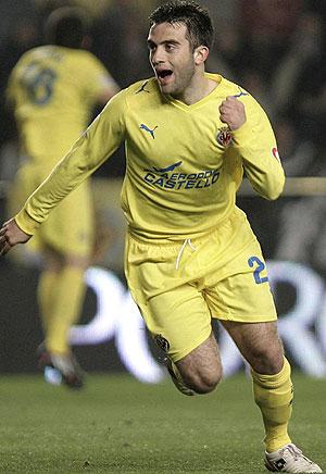 Rossi celebra el primer gol de su equipo (Foto: EFE)