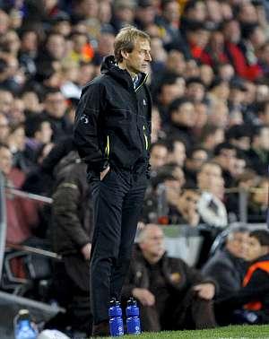 Jurgen Klinsmann, en la banda del Camp Nou. (Foto: EFE)