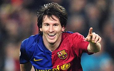 Messi celebra uno de sus dos goles. [MÁS FOTOS]