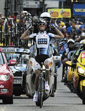 Andy Schleck celebra su triunfo en Ans. (Foto: AFP)