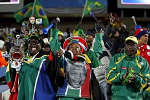Aficionados sudafricanos, durante un partido de la Copa Confederaciones. (Foto: EFE)