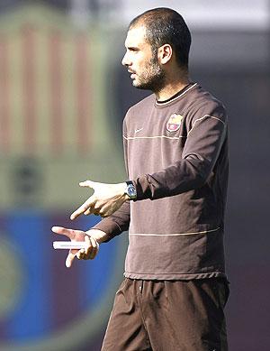 Pep Guardiola, durante un entrenamiento. (Foto: Reuters)