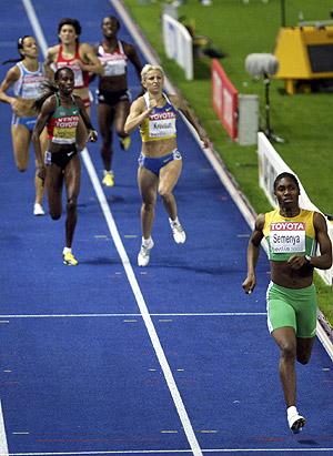 Semenya, sin rivales en la recta final. (Foto: EFE)