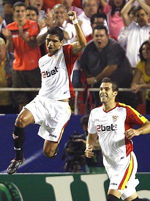 Renato celebra el segundo gol. (Foto: EFE)