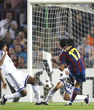 Pedro, en el remate del 2-0. (Foto: REUTERS)