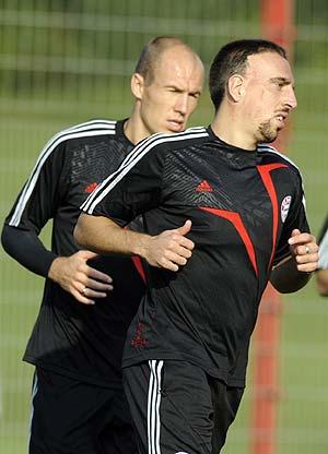 Ribery y Robben en un entrnamiento con el Bayern de Munich. (Foto: AFP)