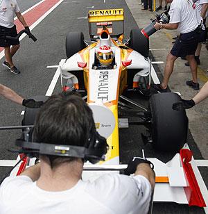 Alonso, en Interlagos. (Foto: EFE)
