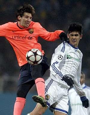 Messi, autor del gol de la victoria, se retiró con problemas en Kiev. (AP)
