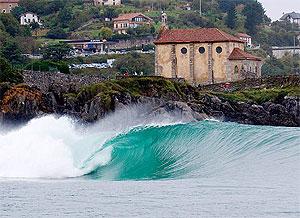 La famosa ola de 'izquierdas' de Mundaka.