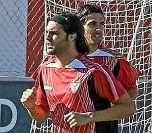 Sergio Sánchez, en un entrenamiento del Sevilla. (Foto: EFE)