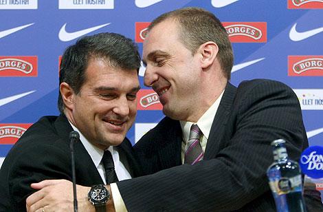 Barrufet y el presidente Lapora, durante la rueda de prensa de despedida.   Efe