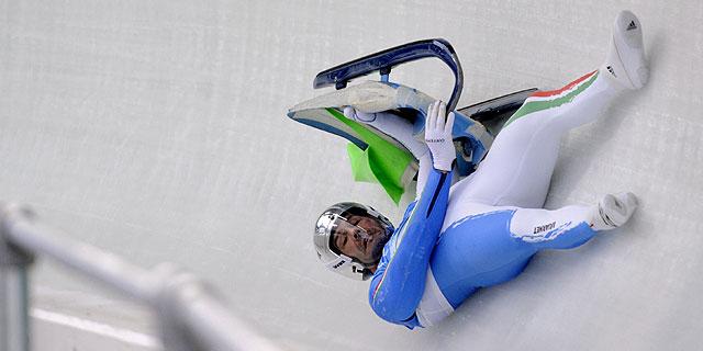 Zoeggeleger, en una caída durante los entrenamientos. Foto: AFP