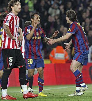 Jeffren y Maxwell celebran un gol al Athletic. | Efe