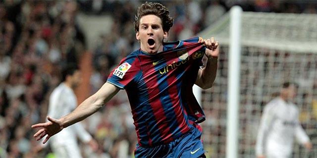 Messi celebra su gol, el primero del Barcelona en el Bernabéu. (Foto: Ap)