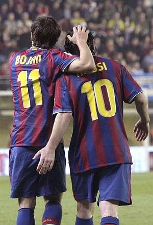 Bojan y Messi celebran el tanto del argentino. | Efe