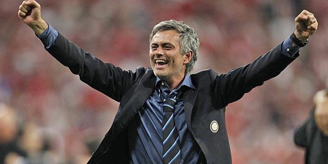 Jose Mourinho, exultante tras ganar la Champions en el Bernabéu. (Foto: Ap)