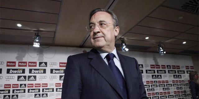 Florentino Pérez durante la rueda de prensa en la que anunció el fichaje de Mourinho. Foto: EFE