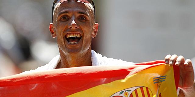 Chema Martínez, feliz tras su segundo puesto en Barcelona. | Efe