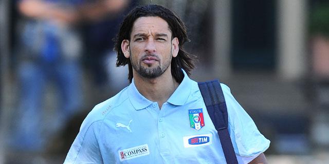 Amauri llega a la concentración de la selección italiana. | AFP