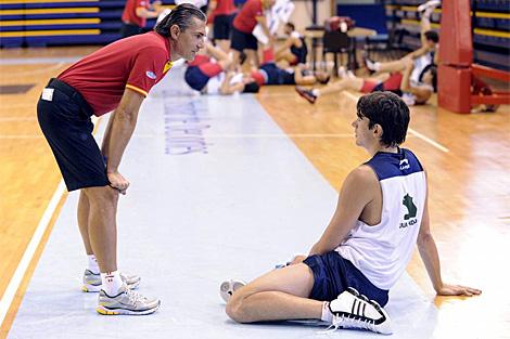 Scariolo y Carlos Suárez, durante un entrenamiento. | Efe