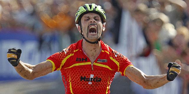 Hermida, tras proclamarse campeón del mundo. | Reuters